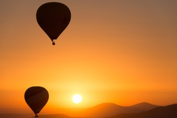 hot-air-ballooning-436440_1280