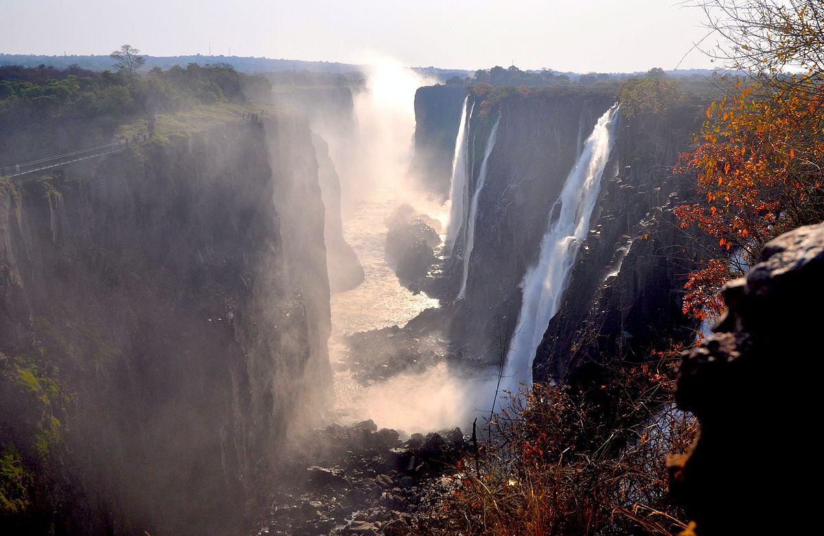 1200px-Victoria_Falls_2012