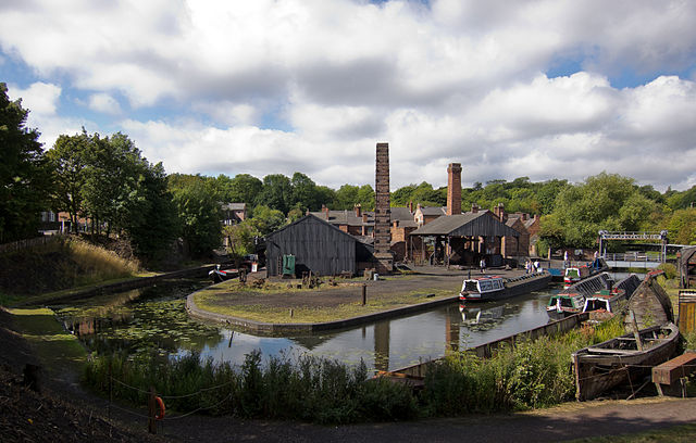 640px-Canal_Basin_,_Black_country_living_museum