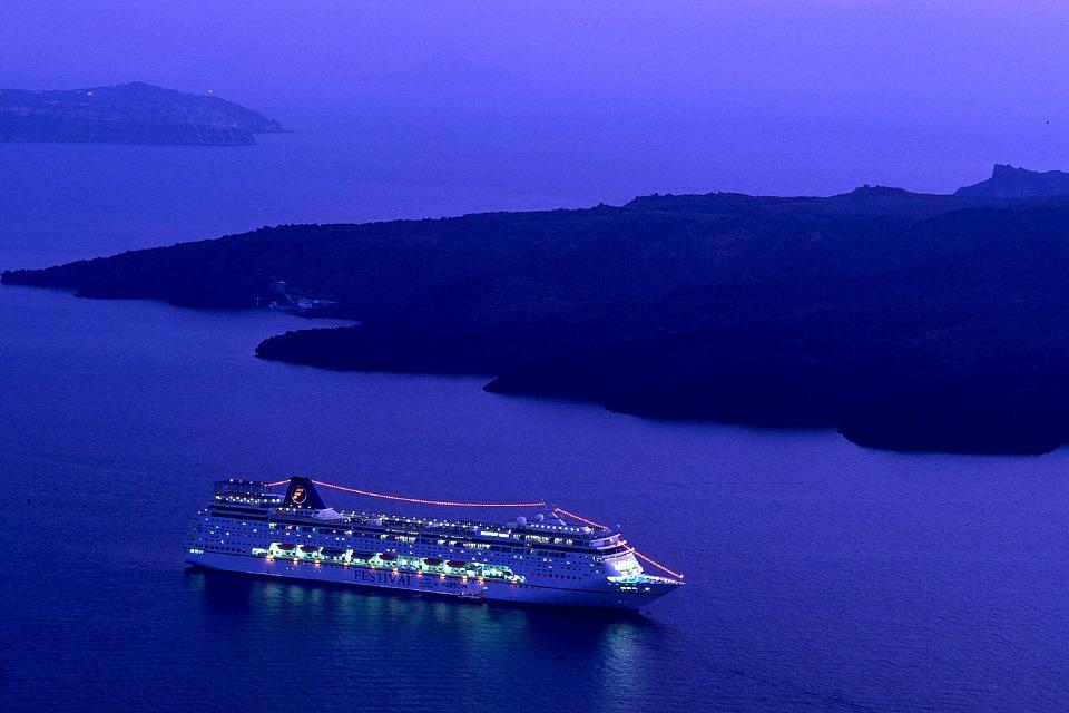 cruise-ship-980933_960_720