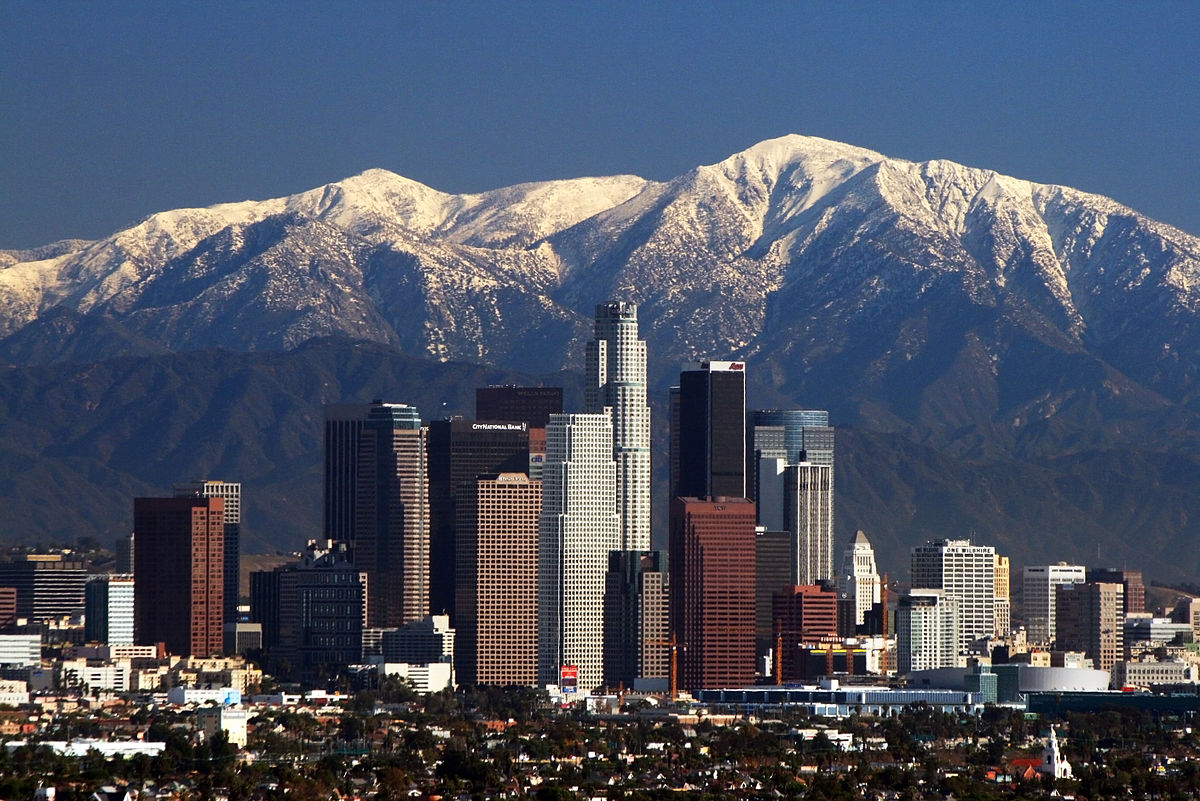1200px-la_skyline_mountains2