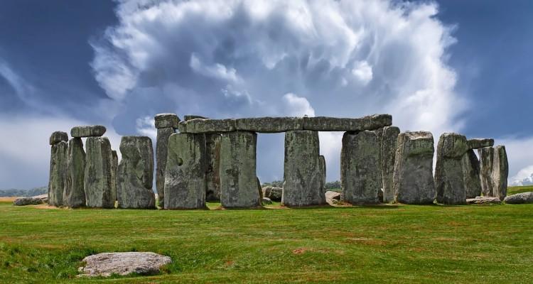 stonehenge-2287980_960_720
