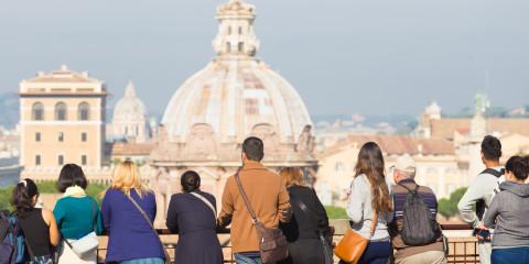 tourist_group_rome
