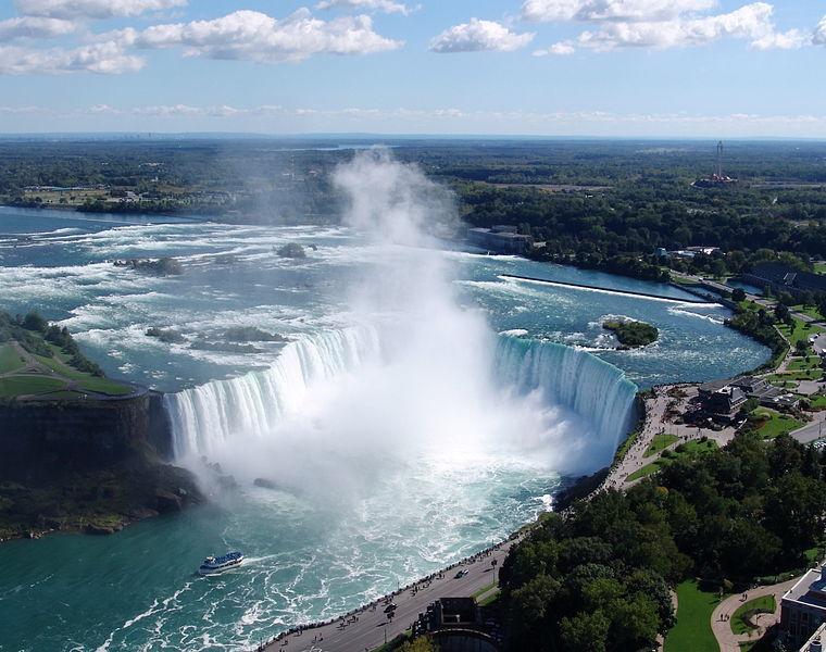 760px-Niagara-Falls-Horseshoe-Falls-view